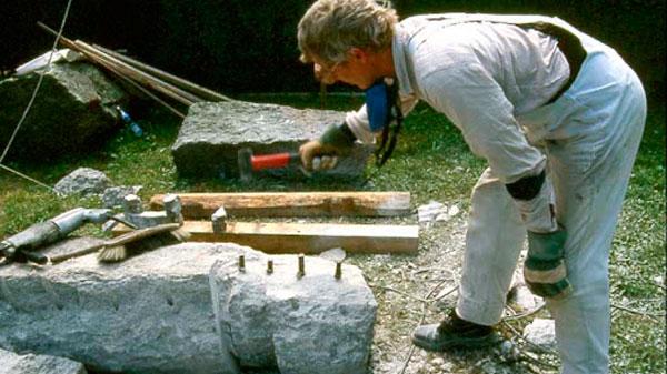 Exposición escultórica de Uli Schwander  en Agua Amarga