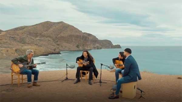 Un país para escucharlo en Cabo de Gata